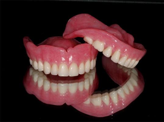 תותבות - מעבדת שיניים פוזיטיב